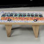 Table en mosaïques. Pietements et supports réalisés par ATF